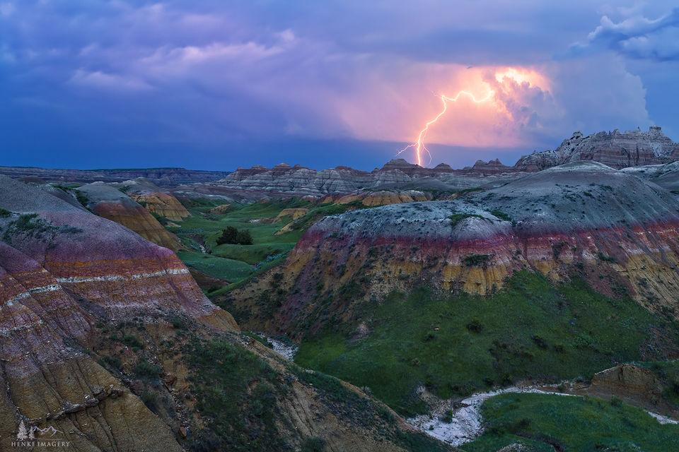 Badlands National Park, South Dakota, lightning, thunderstorm, bolts
